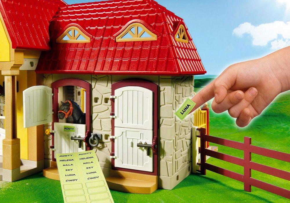 playmobil country 5221 pas cher haras avec chevaux et enclos. Black Bedroom Furniture Sets. Home Design Ideas