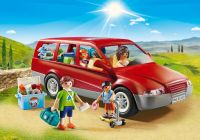PLAYMOBIL Family Fun 9421 Famille avec voiture